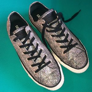 Euc converse women's metallic leather 10.